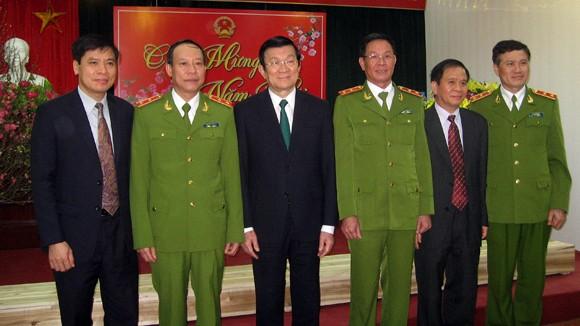 Chủ tịch nước Trương Tấn Sang thăm, chúc Tết tại Cục CSĐT tội phạm về ma túy ảnh 3