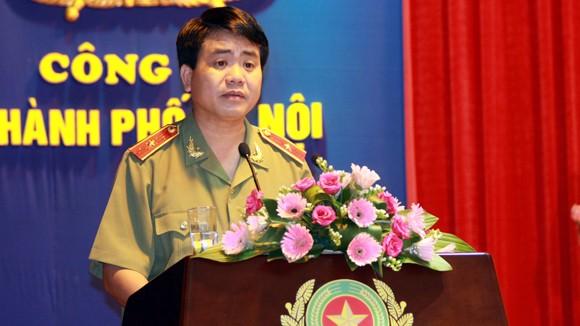 Trên 5.500 sỹ quan, CBCS Công an Hà Nội được thăng cấp bậc hàm, nâng lương ảnh 1