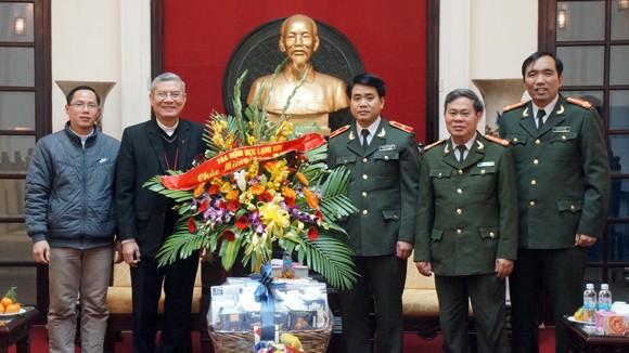Giám mục giáo phận Lạng Sơn chúc Tết Công an Hà Nội ảnh 2