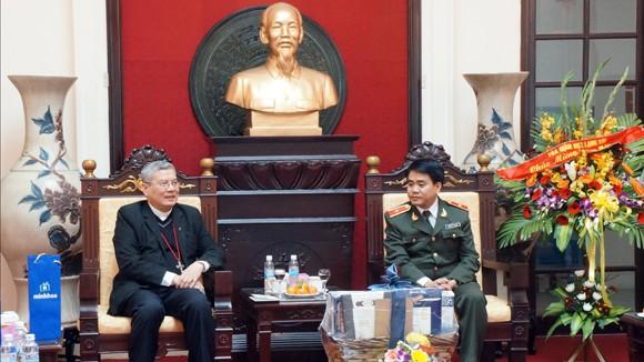Giám mục giáo phận Lạng Sơn chúc Tết Công an Hà Nội ảnh 1