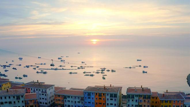 Lý do nào khiến BĐS Nam Phú Quốc vẫn nhộn nhịp bất chấp tháng Ngâu ảnh 2