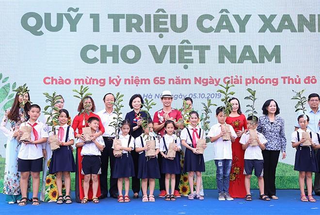 """""""Quỹ 1 triệu cây xanh cho Việt Nam"""": Lan toả tình yêu thiên nhiên, môi trường đến với học sinh ảnh 1"""