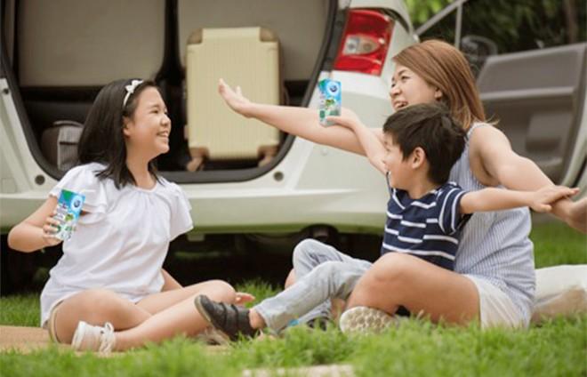 Dinh dưỡng mùa khai trường: Hóa ra hộp sữa tươi giảm đường, giảm béo được đầu tư kỳ công đến thế! ảnh 1