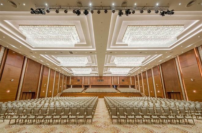 Chuẩn bị khánh thành, khách sạn quy mô bậc nhất Việt Nam công bố combo siêu ưu đãi ảnh 4