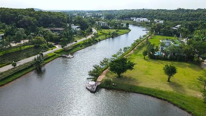 Trọn vẹn vẻ đẹp bình yên bên hồ Đại Lải ảnh 2