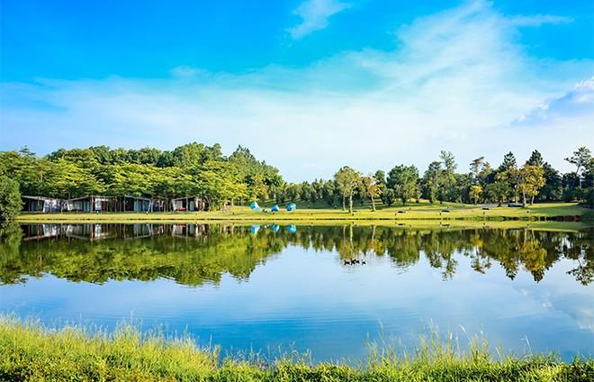 Trọn vẹn vẻ đẹp bình yên bên hồ Đại Lải ảnh 7