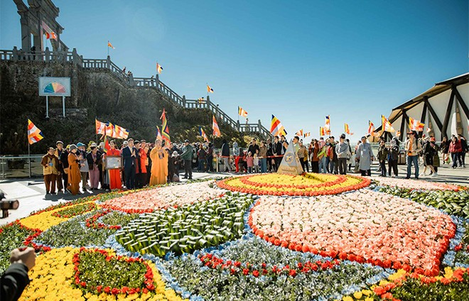 Cận cảnh lễ cầu an lớn nhất trên đỉnh Fansipan ảnh 4