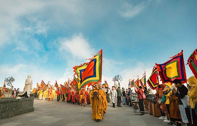 Cận cảnh lễ cầu an lớn nhất trên đỉnh Fansipan ảnh 5