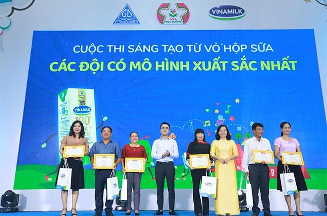 Hơn 46.300 học sinh tỉnh Vĩnh Long được thụ hưởng Sữa học đường năm học 2020-2021 ảnh 7