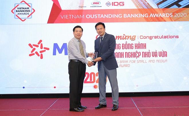 """MB được vinh danh """"Ngân hàng tiêu biểu về tín dụng xanh"""" và """"Ngân hàng đồng hành cùng doanh nghiệp SME"""" ảnh 2"""