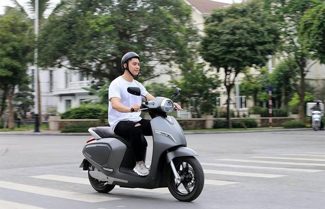 """Xe máy điện """"chất lượng tốt giá hời"""" liệu có xa vời với người dùng Việt? ảnh 2"""