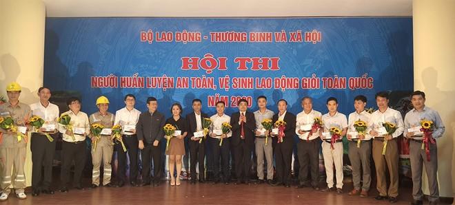 EVNHANOI giành giải A Người huấn luyện an toàn, vệ sinh lao động giỏi toàn quốc năm 2020 ảnh 3
