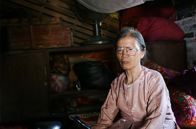 EVNHANOI sửa chữa, lắp đặt hệ thống điện cho 100% hộ nghèo thuộc huyện Thanh Oai ảnh 1