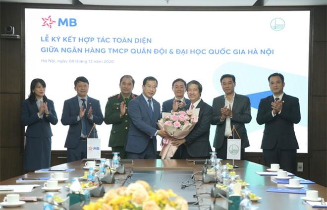 MB ký kết hợp tác toàn diện với Đại học Quốc gia Hà Nội ảnh 4