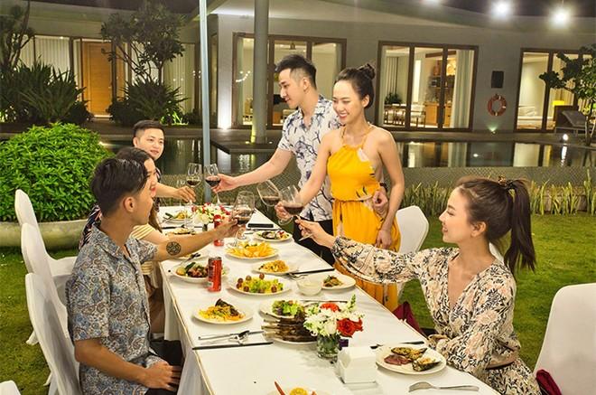 Ngất ngây tiệc cưới đẹp như mơ tại hệ thống nghỉ dưỡng 5 sao FLC Hotels & Resorts: Tình thế này phải cưới ngay kẻo lỡ ảnh 9