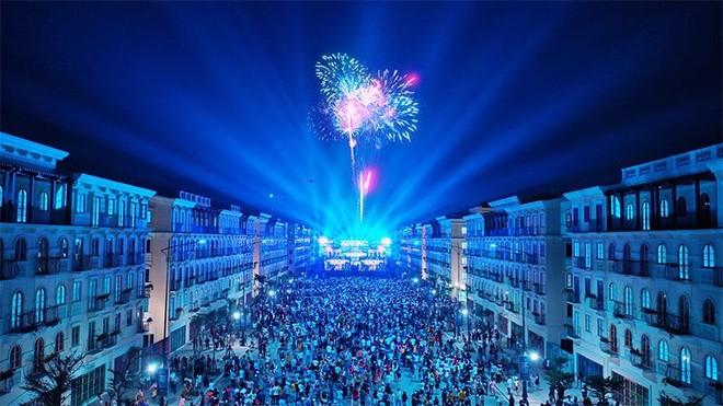 Nam Phú Quốc rực rỡ chưa từng thấy trong đại tiệc nghệ thuật và pháo hoa chào đón Phú Quốc lên thành phố ảnh 6