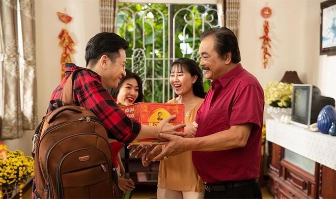 Trà Dr Thanh gây xúc động với món quà sức khỏe tri ân cha mẹ ngày Tết ảnh 1