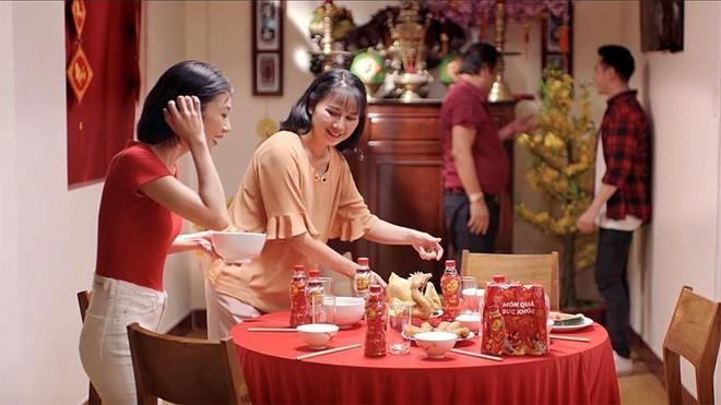 Trà Dr Thanh gây xúc động với món quà sức khỏe tri ân cha mẹ ngày Tết ảnh 5