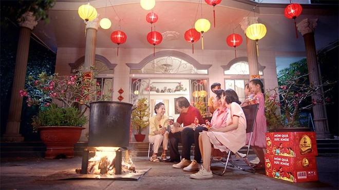 Trà Dr Thanh gây xúc động với món quà sức khỏe tri ân cha mẹ ngày Tết ảnh 6