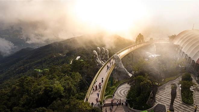 """Bà Nà Hills – từ quên lãng đến """"Điểm du lịch biểu tượng hàng đầu thế giới"""" ảnh 3"""