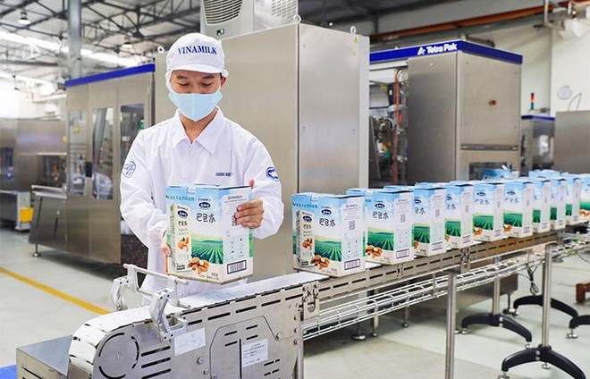 Vinamilk chào 2021 với lô sản phẩm sữa hạt và sữa đặc lớn xuất khẩu đi Trung Quốc ảnh 1