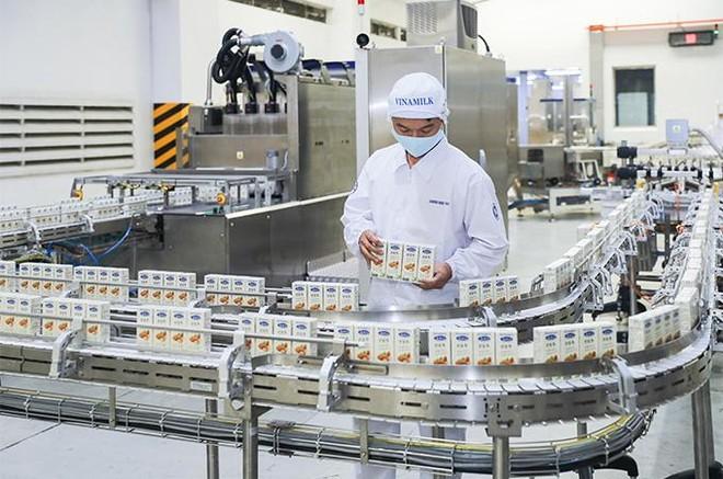 Vinamilk chào 2021 với lô sản phẩm sữa hạt và sữa đặc lớn xuất khẩu đi Trung Quốc ảnh 3