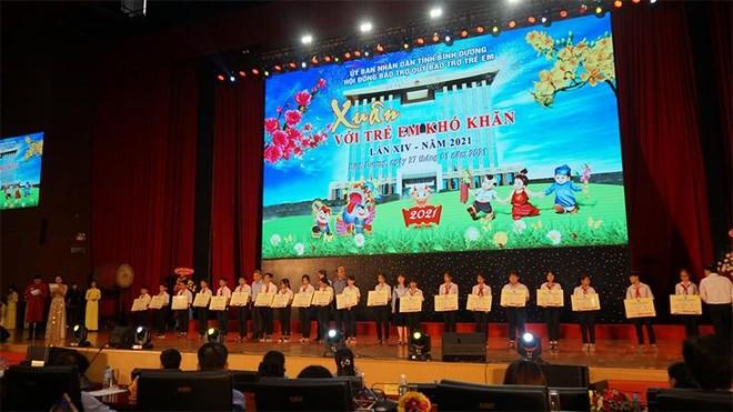 Tân Hiệp Phát chung tay mang Xuân yêu thương đến hàng ngàn trẻ em khó khăn tỉnh Bình Dương ảnh 1