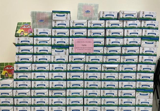 Vinamilk hỗ trợ 45.000 hộp sữa cho hơn 800 trẻ em đang cách ly tại Hà Nội, Hải Dương và Hải Phòng ảnh 2