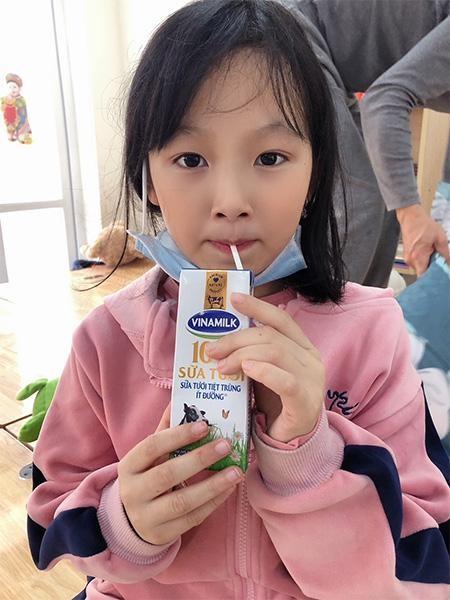 Vinamilk hỗ trợ 45.000 hộp sữa cho hơn 800 trẻ em đang cách ly tại Hà Nội, Hải Dương và Hải Phòng ảnh 3