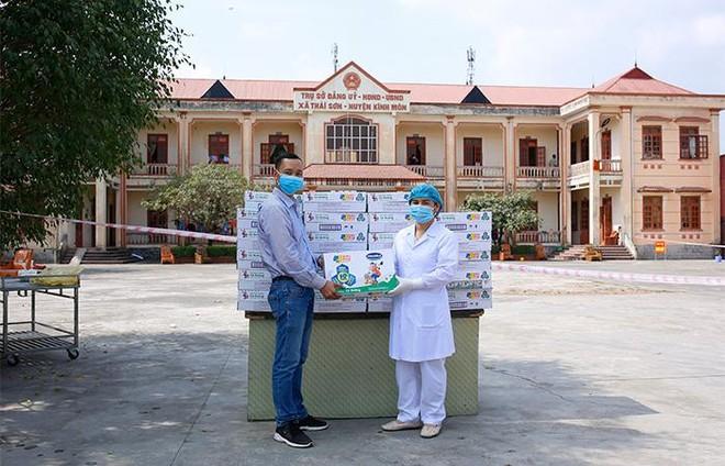 Vinamilk hỗ trợ 45.000 hộp sữa cho hơn 800 trẻ em đang cách ly tại Hà Nội, Hải Dương và Hải Phòng ảnh 4