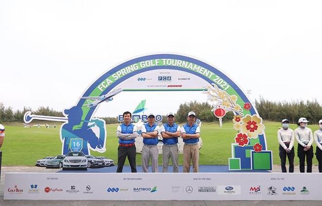 """""""Khai gậy đầu Xuân"""" – FCA Spring Golf Tournament 2021 chính thức khởi tranh ảnh 1"""