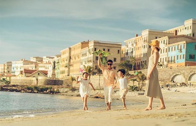 """Có gì đặc sắc ở """"thị trấn Địa Trung Hải"""" bên bờ đảo Ngọc? ảnh 4"""