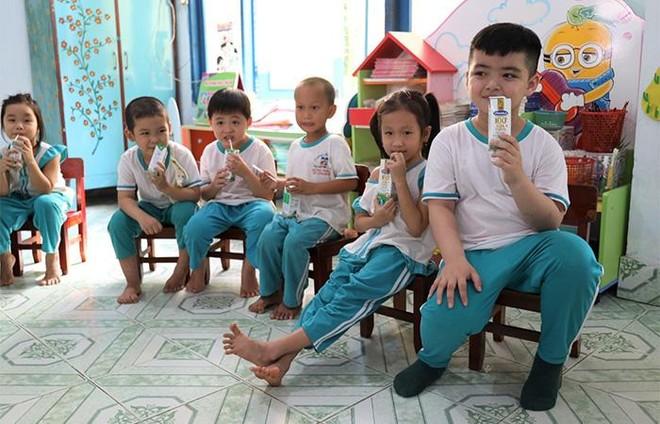 """4 năm triển khai, Sữa học đường tỉnh Bến Tre """"được lòng"""" cả thầy, trò, phụ huynh ảnh 1"""