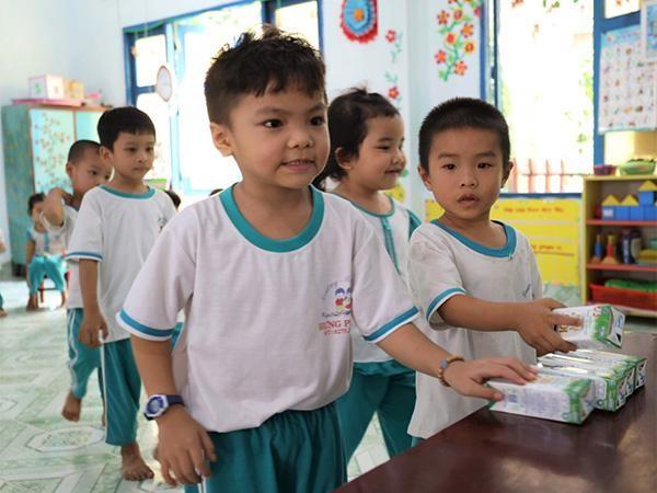 """4 năm triển khai, Sữa học đường tỉnh Bến Tre """"được lòng"""" cả thầy, trò, phụ huynh ảnh 2"""