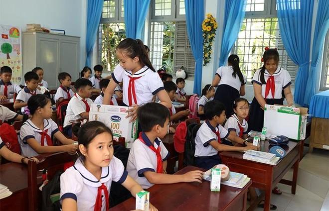 """4 năm triển khai, Sữa học đường tỉnh Bến Tre """"được lòng"""" cả thầy, trò, phụ huynh ảnh 4"""