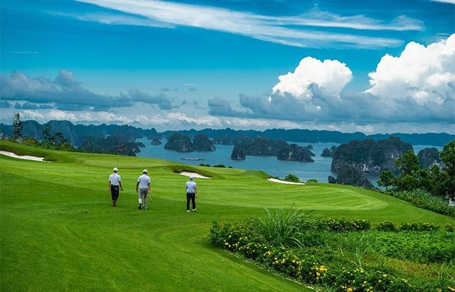 """Chơi golf bên vịnh biển đẹp nhất châu Á: """"hội nghiện golf"""" không thể bỏ qua ảnh 1"""