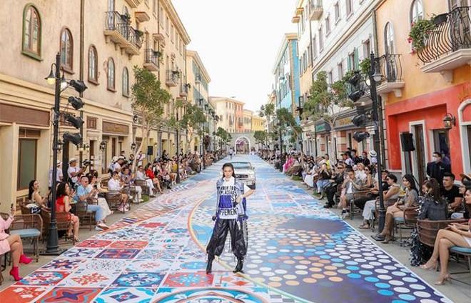 """Fashion Voyage #3 khiến Nam Phú Quốc bừng sáng như một """"kinh đô thời trang"""" ảnh 2"""