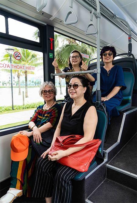 """Háo hức khám phá xe buýt điện đầu tiên tại Việt Nam với những trải nghiệm """"cực chất"""" ảnh 2"""