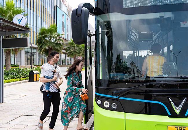 """Háo hức khám phá xe buýt điện đầu tiên tại Việt Nam với những trải nghiệm """"cực chất"""" ảnh 6"""