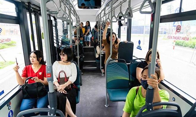 """Háo hức khám phá xe buýt điện đầu tiên tại Việt Nam với những trải nghiệm """"cực chất"""" ảnh 8"""