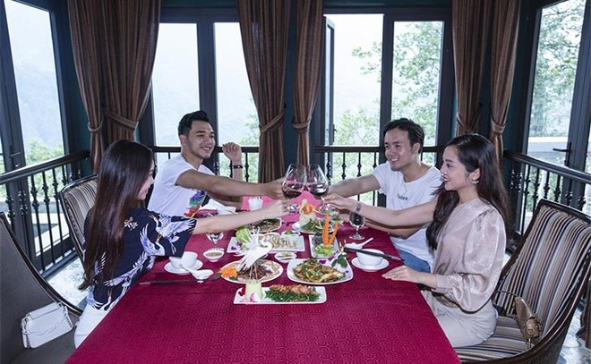 Hút khách về miền Tây Bắc hè này, Lào Cai tung loạt ưu đãi khủng tới 70% ảnh 3