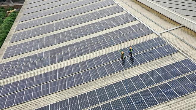 Phát triển năng lượng xanh từ mái trang trại, TH giảm sử dụng nguồn điện từ năng lượng hóa thạch ảnh 1