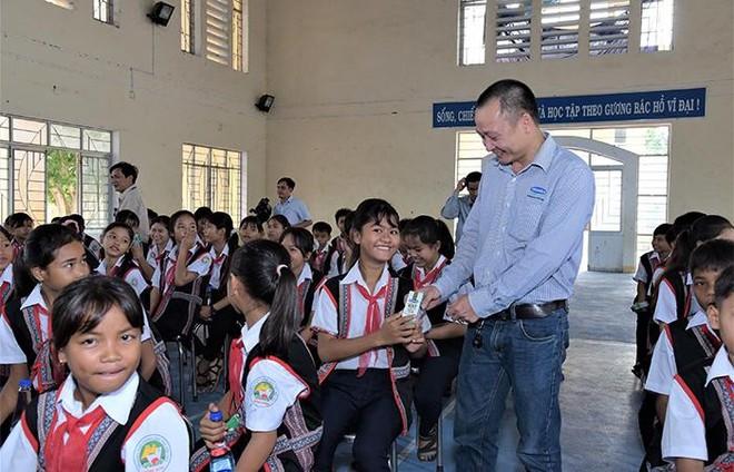 Quỹ sữa Vươn cao Việt Nam 2021 của Vinamilk sẽ có thêm 31.000 ly sữa từ sự tham gia của cộng đồng ảnh 4