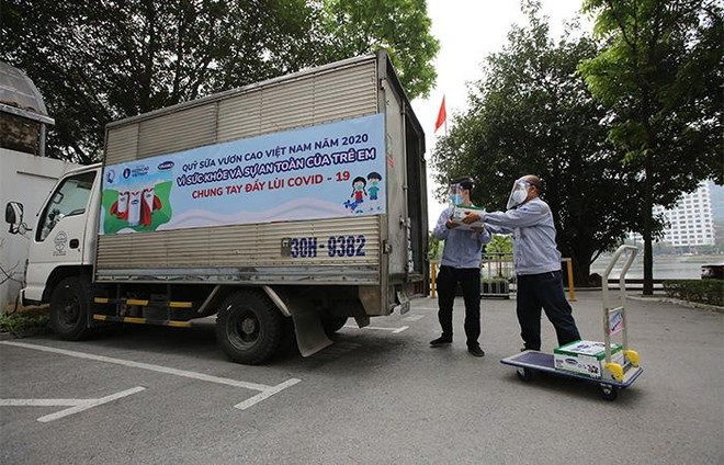 Vinamilk và Quỹ sữa Vươn cao Việt Nam tiếp tục hành trình trao sữa cho trẻ em tại 26 tỉnh thành trong năm thứ 14 ảnh 4