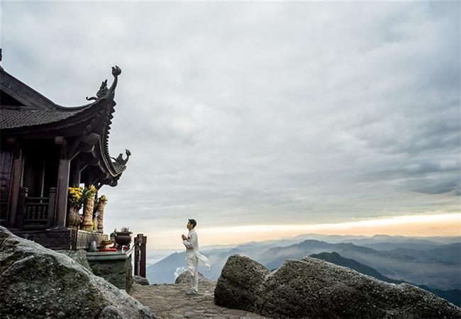 Đến Quảng Ninh đừng bỏ lỡ những quần thể tâm linh đẹp kỳ vĩ này ảnh 1