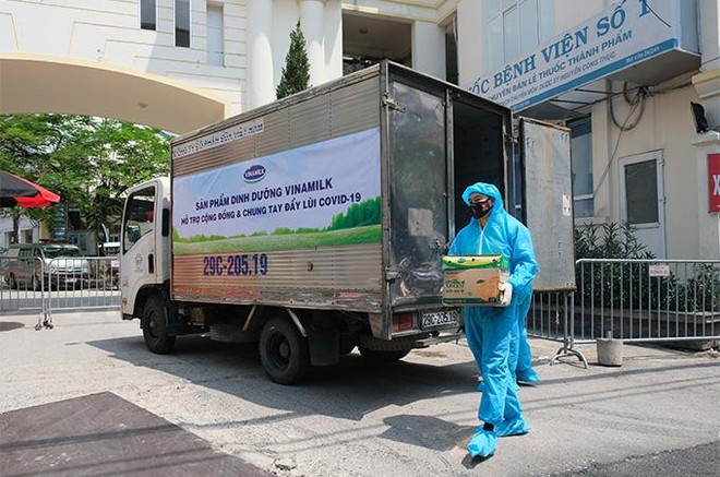 Vinamilk hỗ trợ gần 200.000 sản phẩm cho cán bộ y tế, người dân và trẻ em tại Hà Nội, Hà Nam, Bắc Ninh ảnh 7
