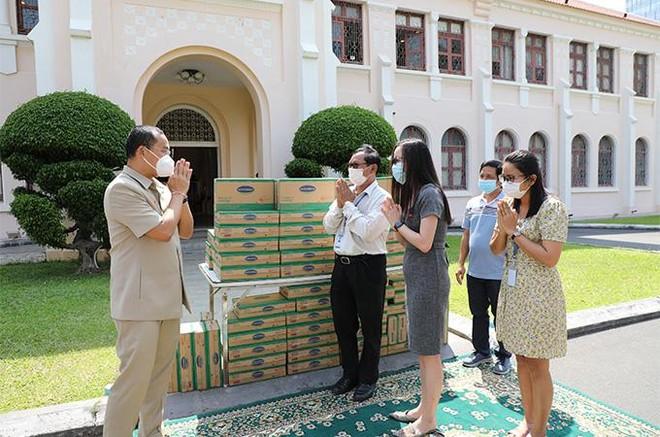 Vinamilk hỗ trợ gần 200.000 sản phẩm cho cán bộ y tế, người dân và trẻ em tại Hà Nội, Hà Nam, Bắc Ninh ảnh 8