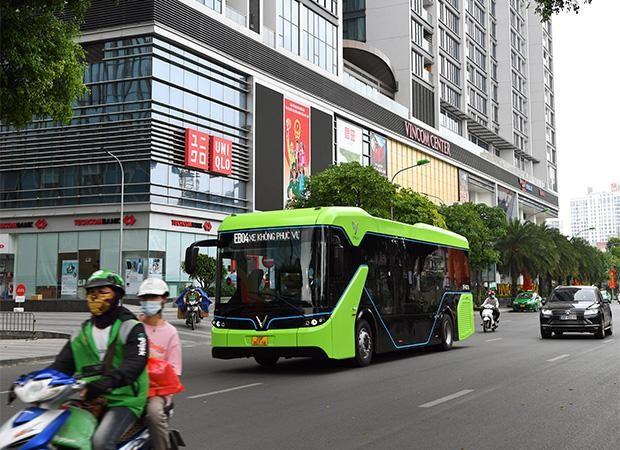Vinbus thử nghiệm lộ trình trên đường phố Thủ đô trước khi chính thức vận hành ảnh 6