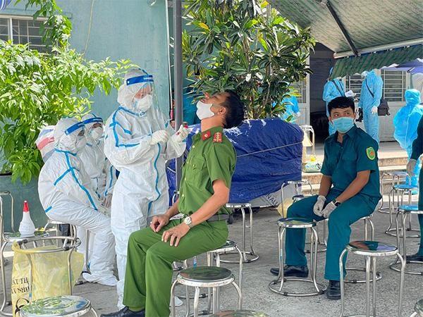 """Thứ trưởng Bộ Y tế: """"Một số địa phương từng đối phó với dịch phản ứng rất nhanh"""" ảnh 2"""