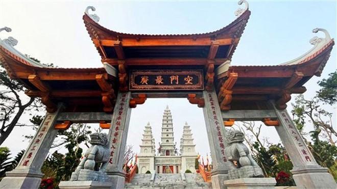 Đẹp ngoạn mục quần thể văn hóa tâm linh trên đỉnh Ba Đèo, Hạ Long ảnh 4